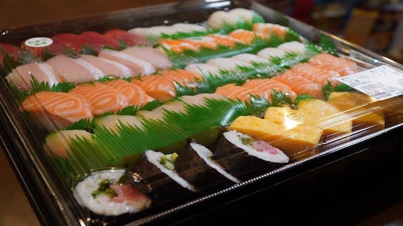 コストコのファミリー寿司48貫