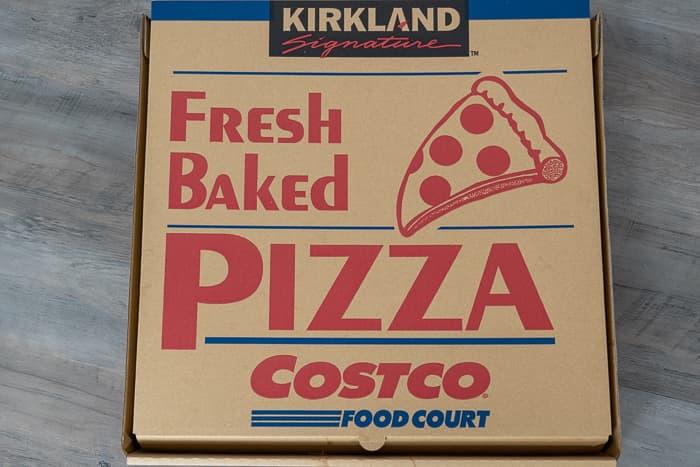 コストコ フードコートピザの箱